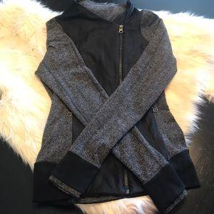 Black gray lululemon jacket 4 🍋